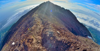 gunung agung hike mt bali indonesia crater first summit volcano cloud cap cloudfall
